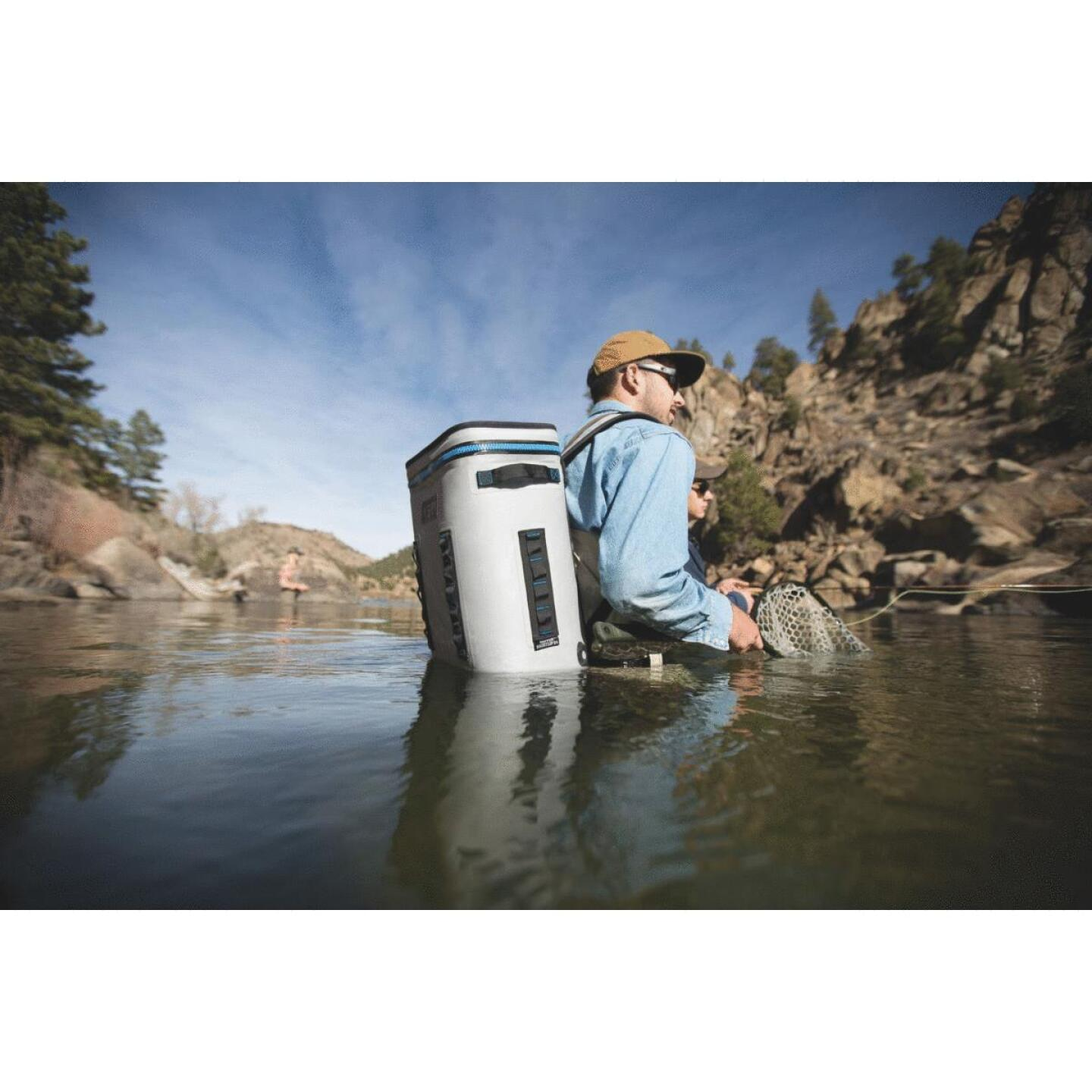 Yeti Hopper BackFlip 24 20-Can Soft-Side Cooler, Gray Image 5
